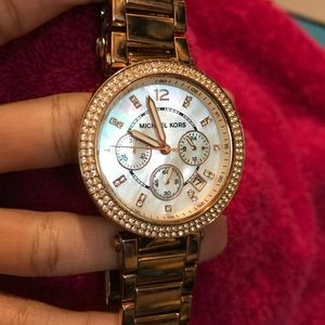 GORGEOUS Michael Kors Rose Gold Watch Crystal